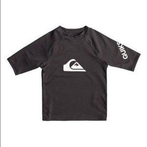 ❤️Quicksilver❤️Boys L black rash guard swim shirt